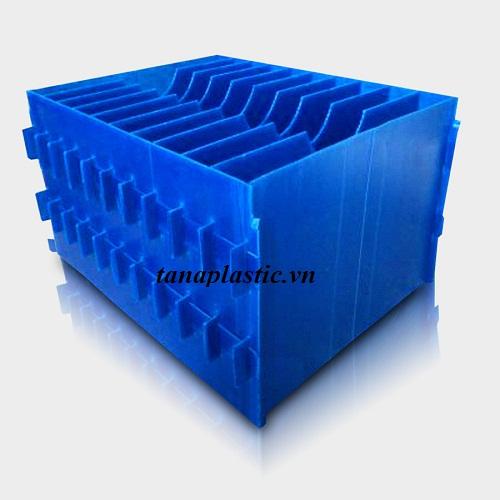 thùng nhựa có ngăn